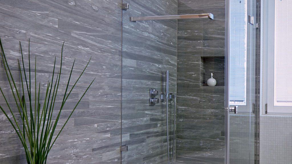 Schöne Duschen